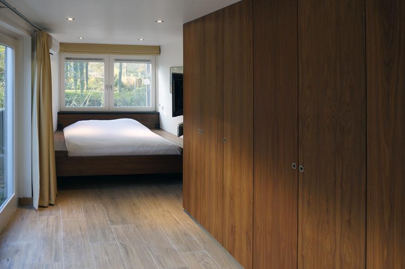 bedroom walnut wood